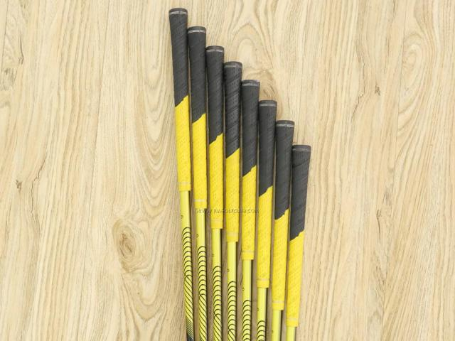 Iron set : Tsuruya : ชุดเหล็ก Tsuruya Onesider EO (ใบใหญ่ ตีง่ายมาก) มีเหล็ก 5-Pw,Aw,Sw (8 ชิ้น) ก้านกราไฟต์ Flex R