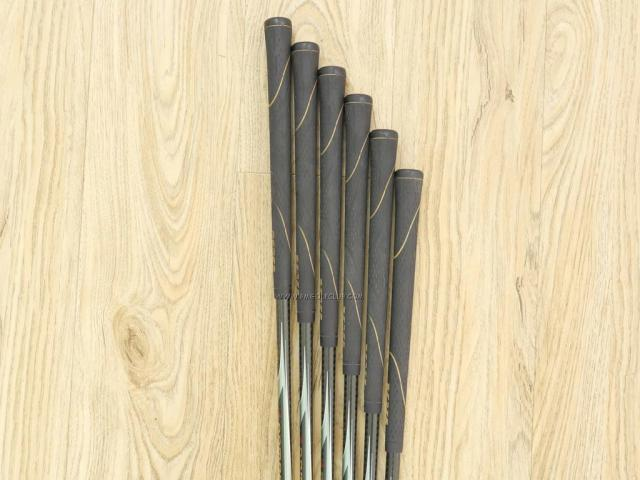 Iron set : Honma : ชุดเหล็ก Honma Beres IE-01 (เหมาะกับซีเนียร์) มีเหล็ก 5-10 (6 ชิ้น) ก้าน ARMRQ 6 (45) Flex R (2 ดาว)
