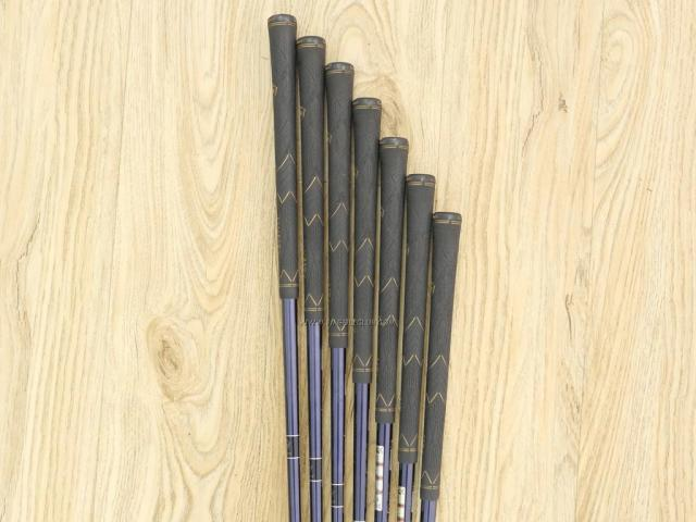 Iron set : Maruman : ชุดเหล็ก Maruman Majesty Royal Black (ออกปี 2016 รุ่นท๊อปสุด ตีง่าย เด้ง ไกลมากๆ) มีเหล็ก 5-10,Pw (7 ชิ้น ระยะเทียบเท่า 4-Pw) ก้านกราไฟต์ Flex R