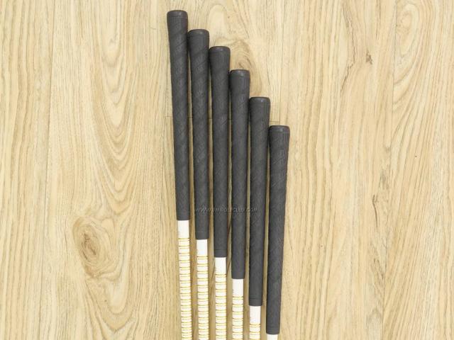Iron set : Tsuruya : ชุดเหล็ก Tsuruya Onesider SE (ใบใหญ่ หน้าเด้ง) มีเหล็ก 5-Pw (6 ชิ้น) ก้านกราไฟต์ Flex R